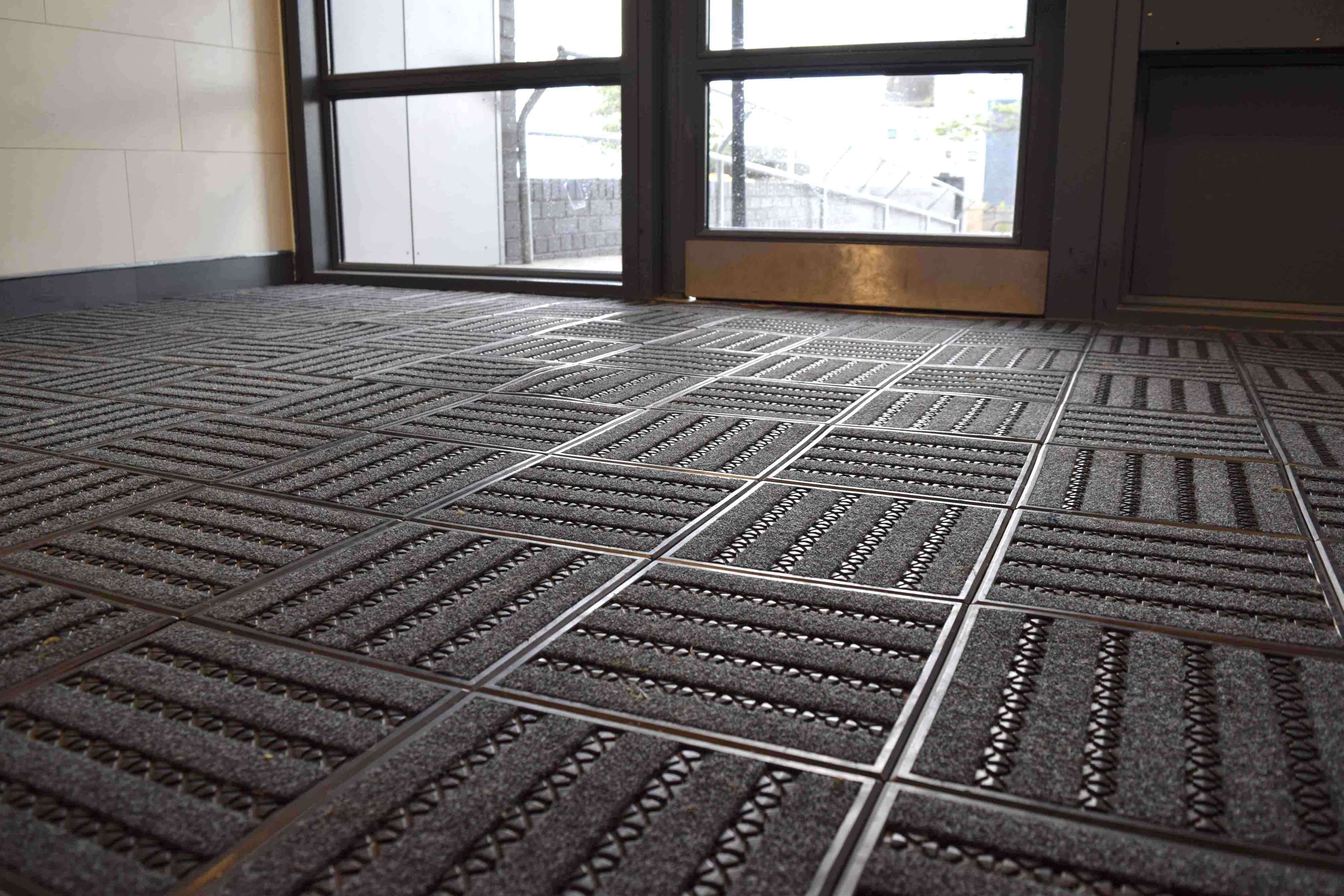 Mat.Works | Entrance Solutions | Treadloc 25 Entrance Matting | Page Image 1