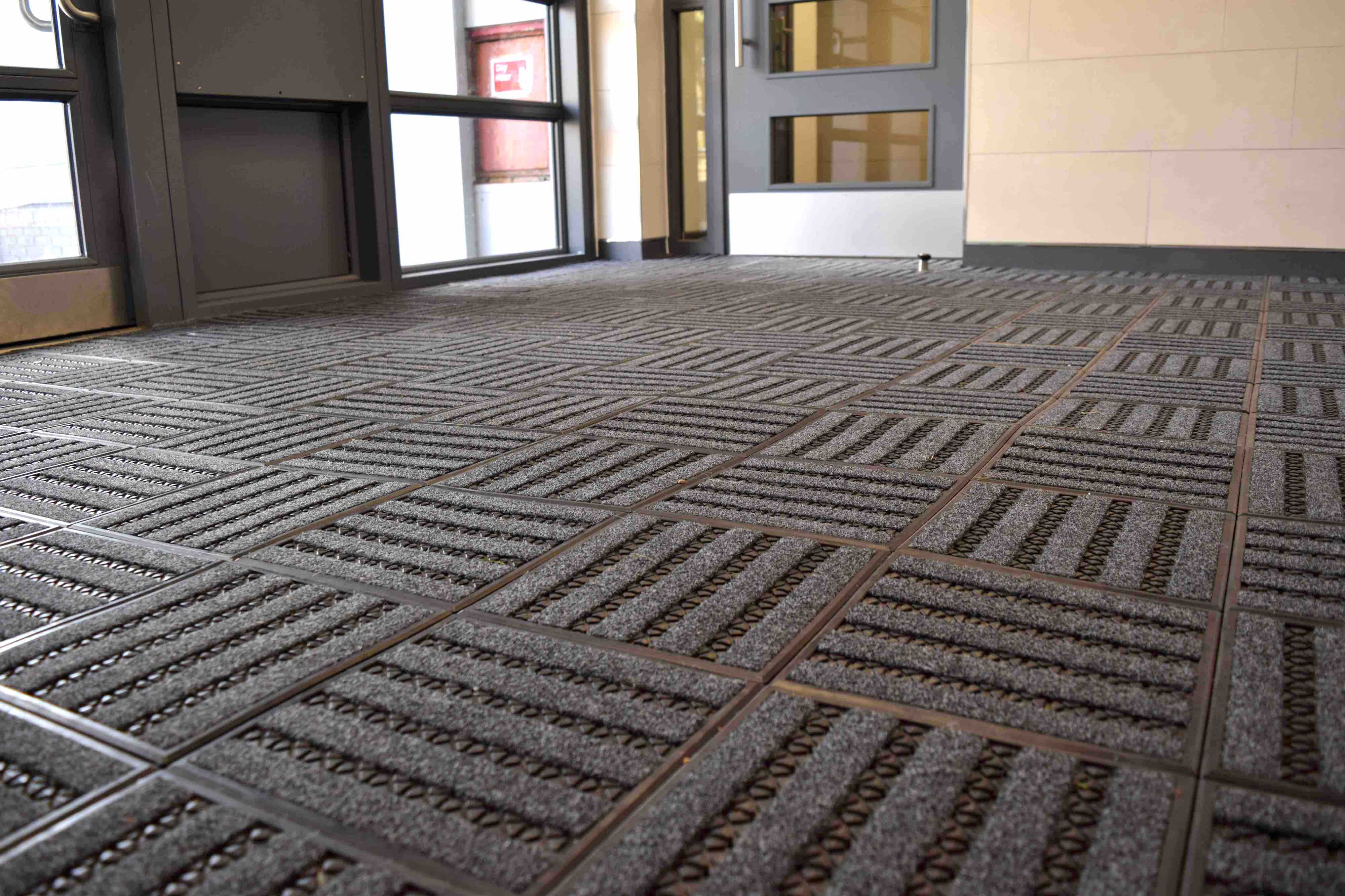 Mat.Works | Entrance Solutions | Treadloc 25 Entrance Matting | Page Image 2